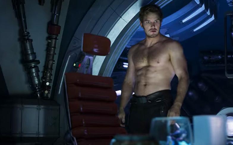 Chris Pratt shows off superhero muscle in new Guardians of ...