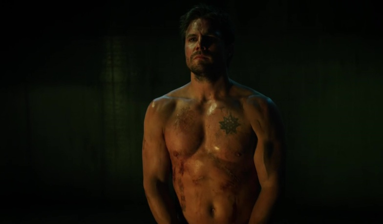oliver queen s at it again check out stephen amell