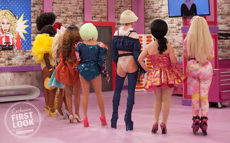 67ed2b076f55 The last photo – and the most exciting of the bunch – shows the queens  watch in awe as dancing-diva Chi Chi DeVayne catapults into the splits and  slays the ...